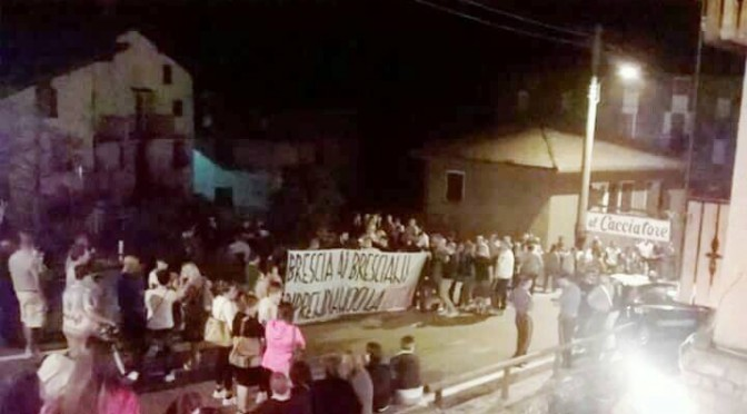 Arrivano i 'profughi': turisti disdicono e fuggono