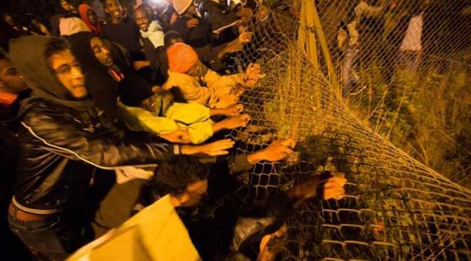 Calais: clandestini assaltano case private, è terrore nero – FOTO