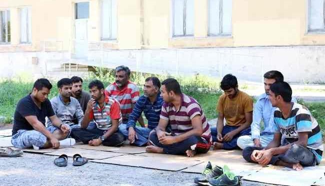 Macerata: clandestini pakistani dormono sotto finestre residenti
