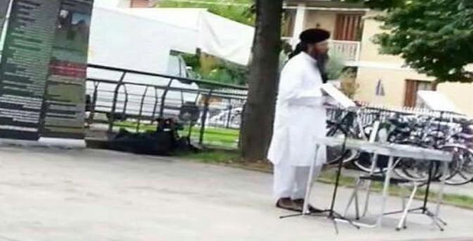 Immigrato picchia moglie: «Corano dice che posso farlo con bastone»
