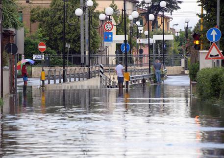 Pisa, Anziana salvata da CC: stava annegando in sottopasso