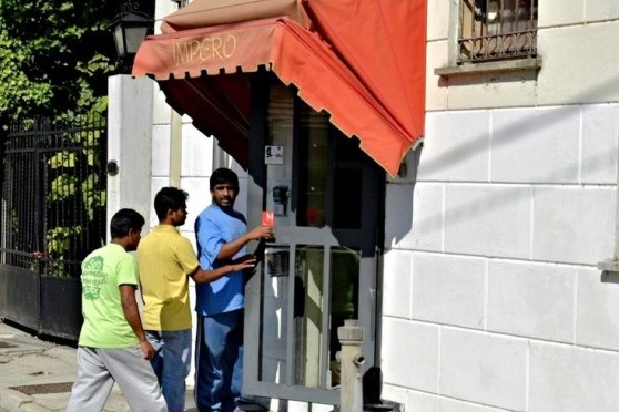 Mantova: Renzi invia 45 bengalesi e pakistani in hotel