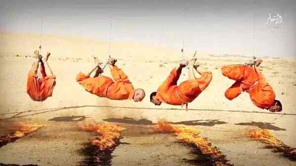 ISIS brucia vivi 'infedeli': messi allo spiedo – FOTO CHOC