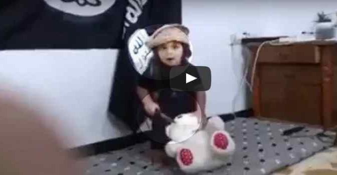 ISIS addestra bimbi a sgozzare prima di mandarli in Europa