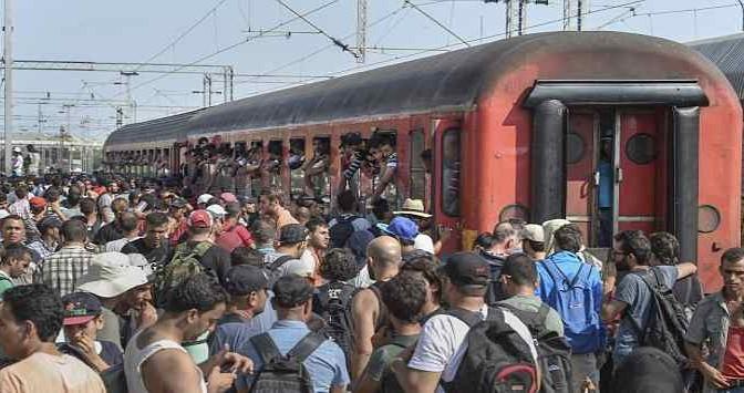 Macedonia spalanca frontiere: migliaia islamici diretti in Italia e Germania