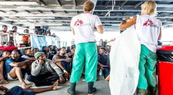 Medici Senza Frontiere scarica a Vibo 316 clandestini: Scabbia a bordo