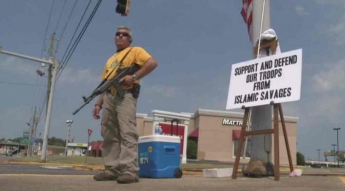 Usa: cittadino armato 'controlla' immigrati islamici – FOTO