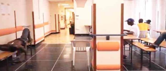 Sassate contro casa di riposo trasformata in hotel profughi