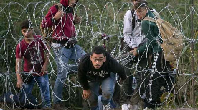 Assalto Islamico: Ungheria blocca traffico treni a confine Serba