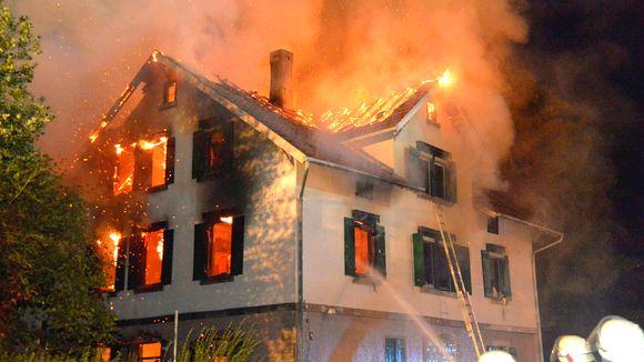 Resistenza: centro per immigrati dato alle fiamme in Germania