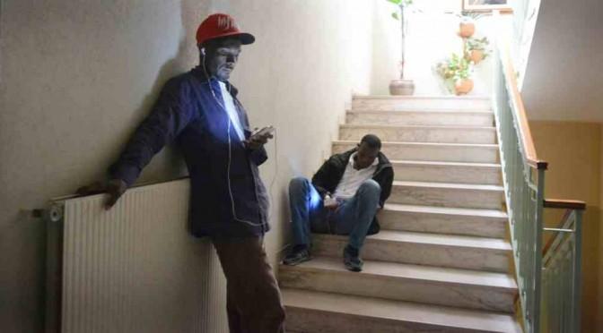 Arrivano profughi (finti), Sindaco si dimette per protesta