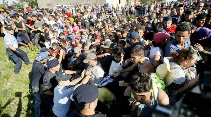 Truppa di 1.000 islamici già in Slovenia, punta l'Italia