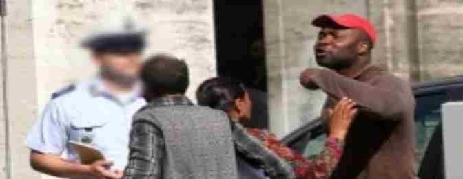 Padova: profughi molestano passanti per elemosina, poi tutti in sala scommesse
