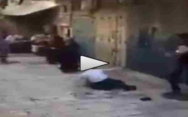 'Sbaglia' quartiere, preso a sassate da islamici – VIDEO