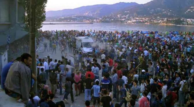 Turchia: i clandestini islamici continuano a salpare, greci li raccattano