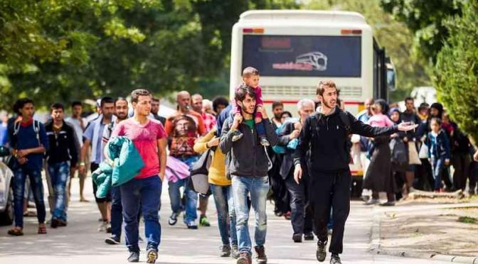 Giornalista si finge profugo: con passaporto siriano falso subito accolto