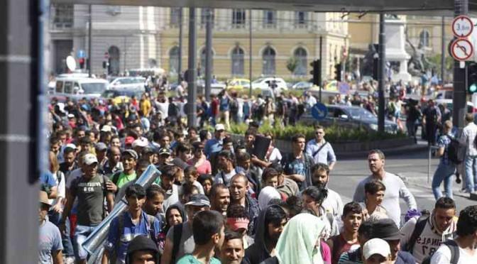 La caduta: 10mila islamici marciano verso Monaco