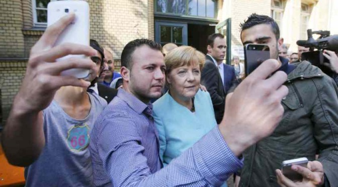 "Merkel ordina: ""Italia costruisca decine di villaggi per profughi"""