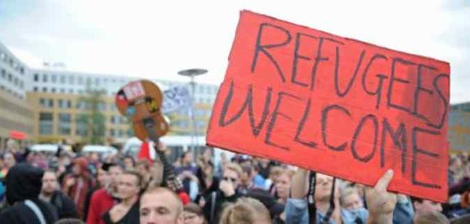 """Profughi in fuga dalla Svezia: """"Dove sono i soldi e le case promesse?"""""""
