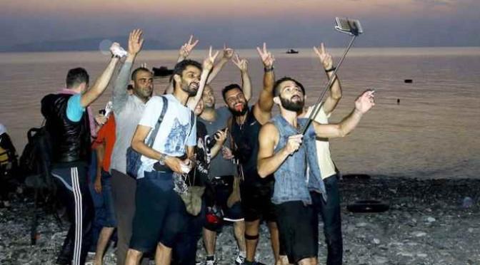 Scafisti traditi dal selfie dopo lo sbarco fantasma