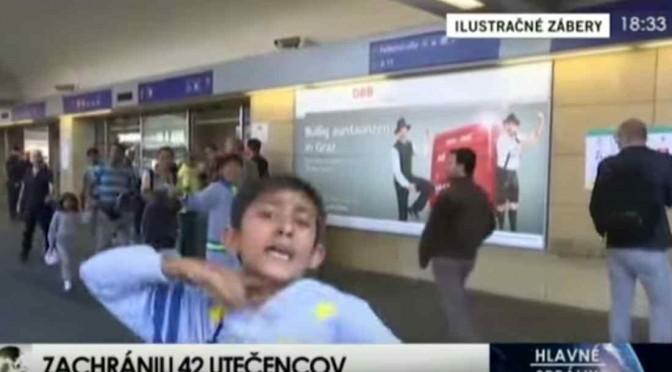 """ISIS diffonde video per i 'profughi' in marcia: """"Siamo con voi"""""""