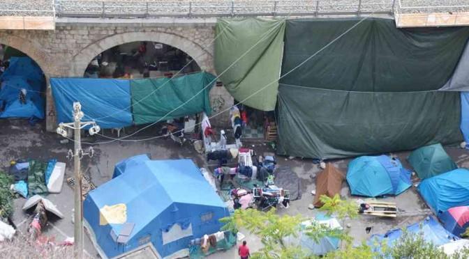 L'accampamento di profughi dove si stuprano le ragazze (con problemi psichici)