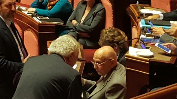Il nuovo che è avanzato: Napolitano e Verdini a colloquio – FOTO