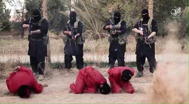 Islamici 'giustiziano' 4 prigionieri – VIDEO CHOC