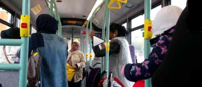 Questo bus è in GB: rissa afro-islamica – VIDEO