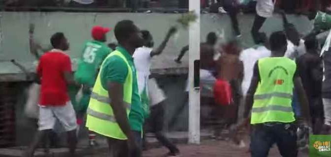 Congo: tifosi africani devastano stadio durante derby