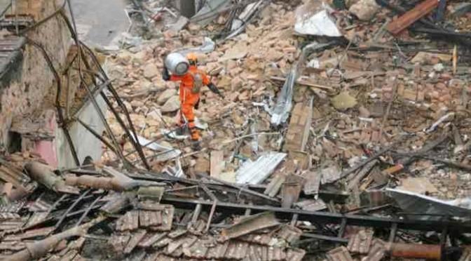 Imponente esplosione a Rio: rasi al suolo 40 edifici
