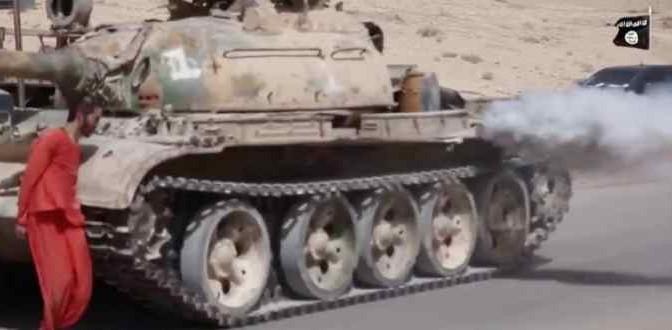ISIS 'giustizia' soldato schiacciandolo con carro armato – VIDEO CHOC