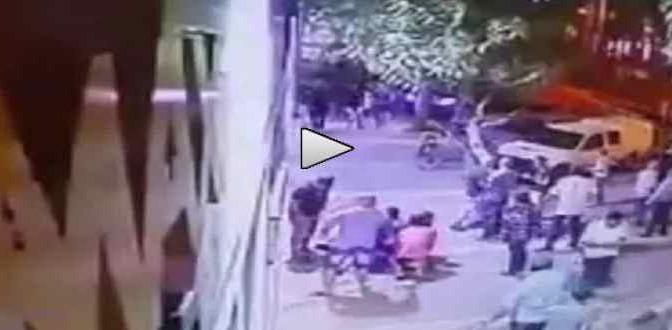 Ondata accoltellamenti: folla blocca islamico per linciarlo – VIDEO