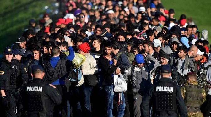 """Islamici in marcia verso Trieste, Alfano: """"Nessun problema"""""""
