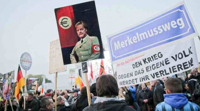Merkel militarizza Internet, informatori-spie denunceranno cittadini