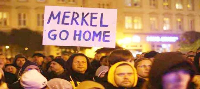 Rivolta: centri profughi incendiati e teste di maiale in Germania