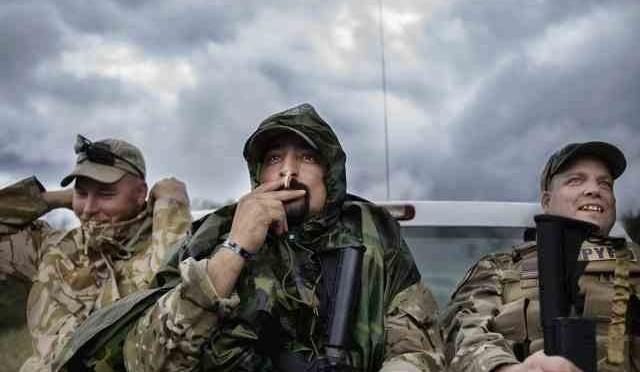Fbi arresta milizia patrioti che bloccava clandestini al confine, polemiche