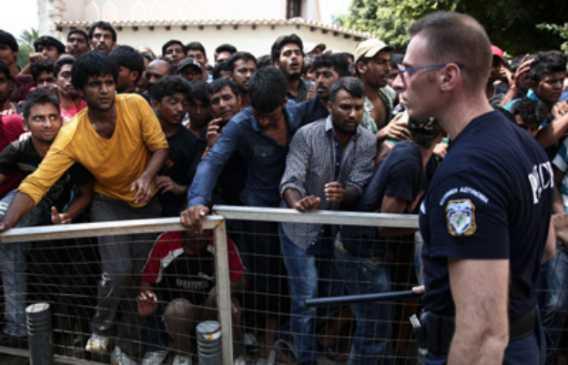 Discoteca bandisce profughi: inseguivano ragazze nei bagni, tentati stupri