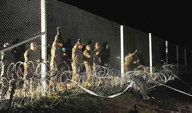 Ungheria, lavoro delle Ong sarà reato penale: arresto per chi aiuta clandestini