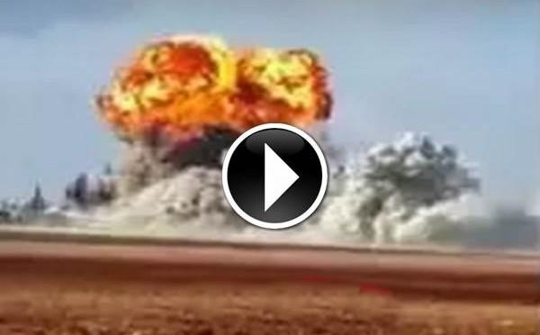 BOMBARDAMENTO RUSSO SU FABBRICA ARMI ISIS: DEVASTANTE ESPLOSIONE – VIDEO