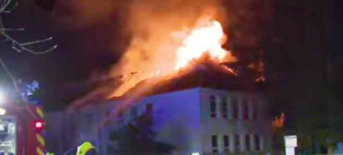 Vincono i cittadini, dopo incendio nega affitto a Coop dei profughi
