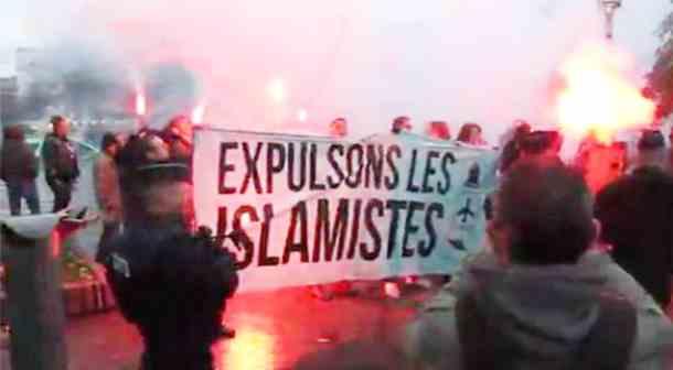 Ricorda Parigi: Le Pen dilaga nei sondaggi