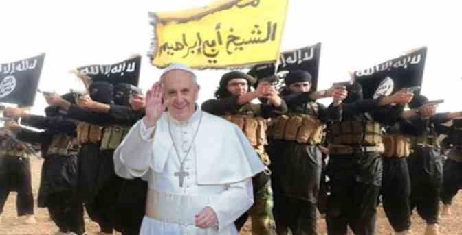 """Il grido di guerra di Bergoglio ai migranti: """"Alzate la testa!"""""""
