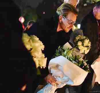 Bono fa passerella dalle vittime dei suoi profughi