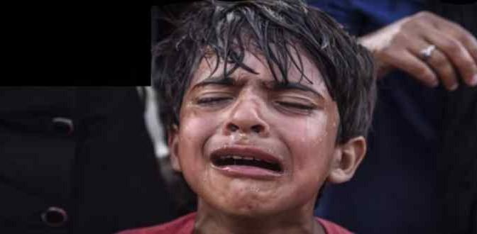Il bimbo profugo che piange è un bufala: guarda che succede prima – VIDEO