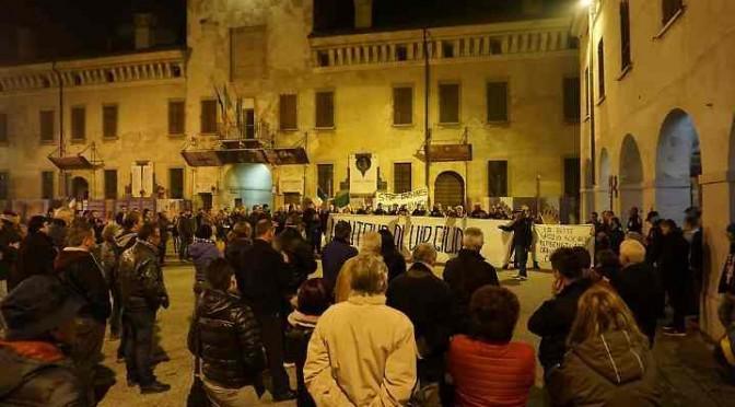 Rivarolo: cittadini in piazza contro invasione profughi (finti)