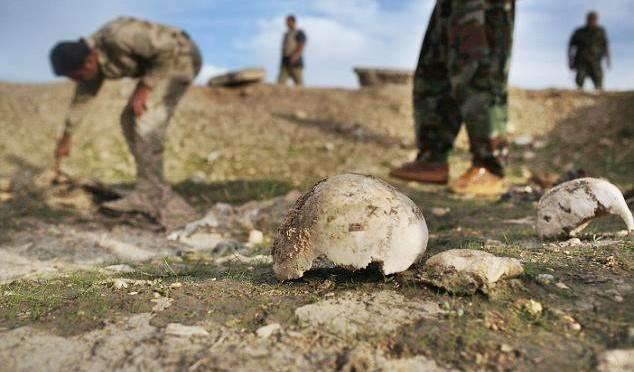 Fossa comune con 120 'infedeli' scoperta in Iraq