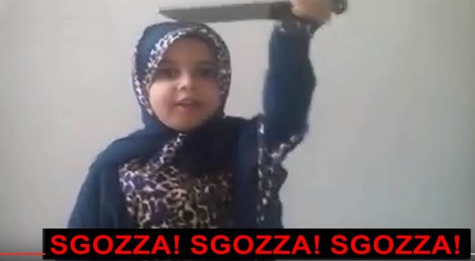 """Piccoli islamici crescono: """"Sgozza! Sgozza! Sgozza!"""" – VIDEO"""