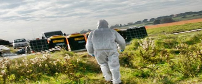 Danneggiata condotta ENI: campi invasi da kerosene