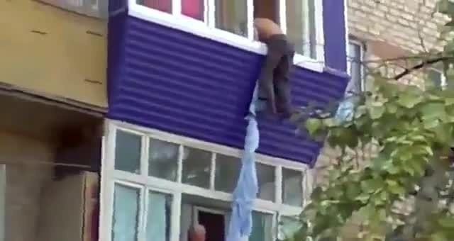 Eritreo infetto fugge da ospedale: morto